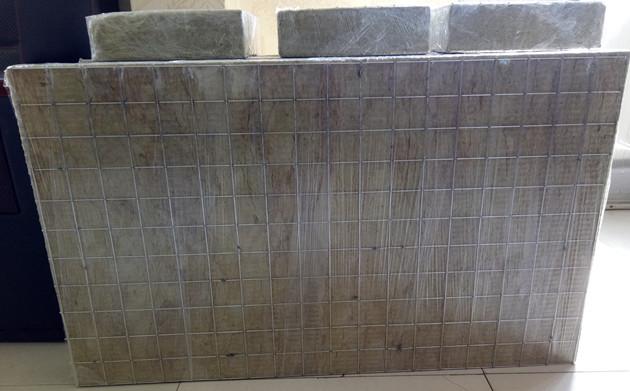 钢网插丝岩棉板图片